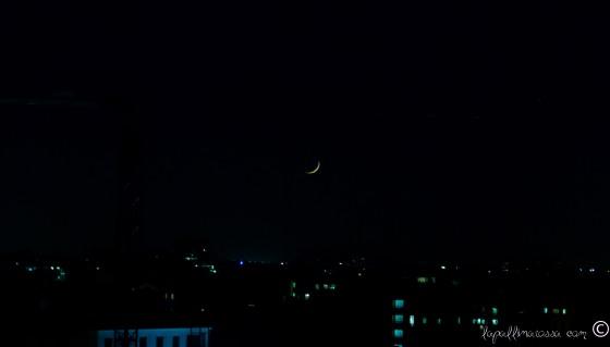 Luna nel cielo di milano